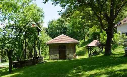Dubci crkva0518