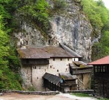Manastir CrnaReka