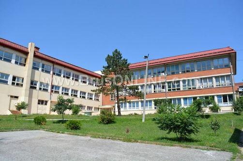 Srednjaskola0816